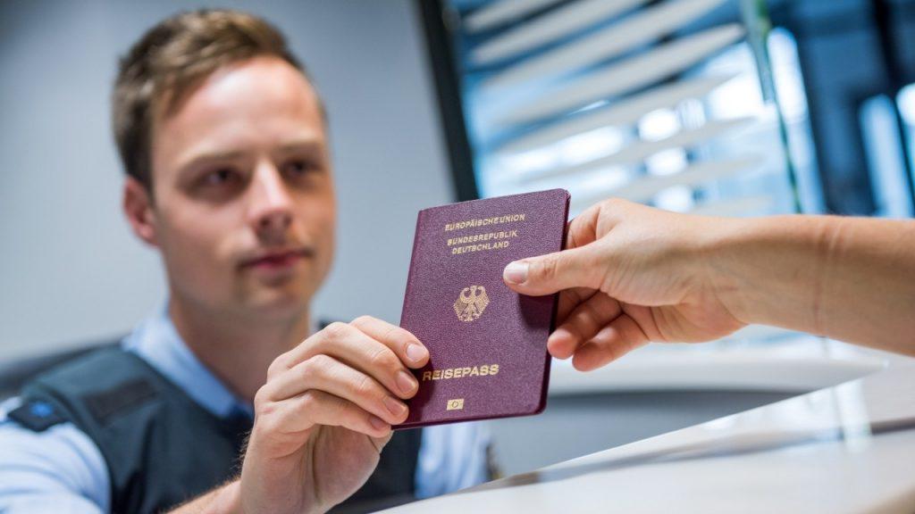 получение второго гражданства